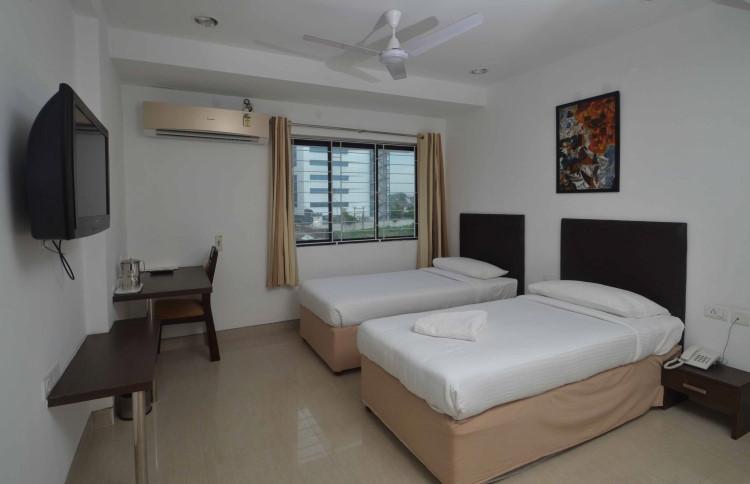 Alcove Apartments-KPKUH1, Karapakkam, Chennai, Tamil Nadu- Book online